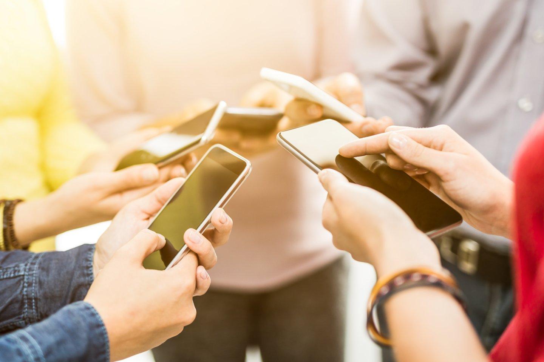 Technologijų mėgėjai metus skaičiuoja naujų telefonų pristatymo ciklais. Sužinokite kokie telefonai pasirodys šiemet ir kokios didžiausios naujienos mūsų laukia.<br>123rf nuotr.