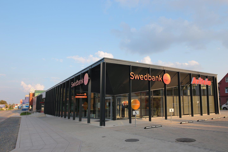 """Banko """"Swedbak"""" pastatas Marijampolėjė. Projekto autoriai: G.Vieversys, L.Volungevičienė, G.Vieversytė.<br>V.Skroblo nuotr."""