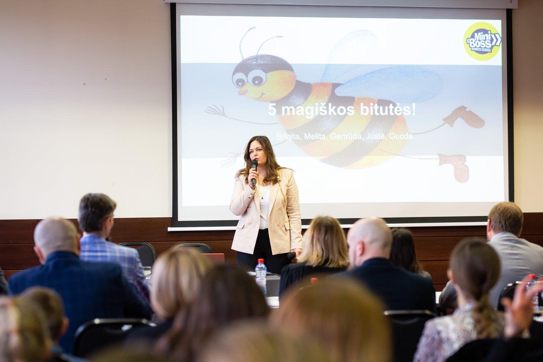 """Vaikų ir paauglių verslumo ugdymo mokyklų """"MiniBoss"""" Lietuvoje ir Latvijoje įkūrėja Diana Blažaitienė pasakoja, kad jau kelerius metus girdi iš tėvų vieną ir tą patį klausimą: kaip tinkamai išugdyti vaikų finansinį raštingumą?<br>Asmeninio albumo nuotr."""