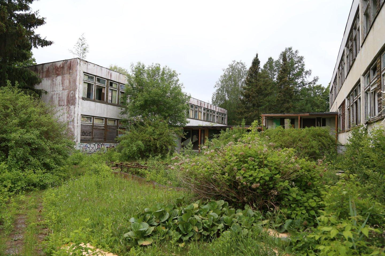 18 metų jurbarkiečio N.Armono nužudymo motyvai šiame apleistame vaikų darželyje iki šiol lieka mįslingi.<br>L.Pilecko (jurbarkosviesa.lt) nuotr.
