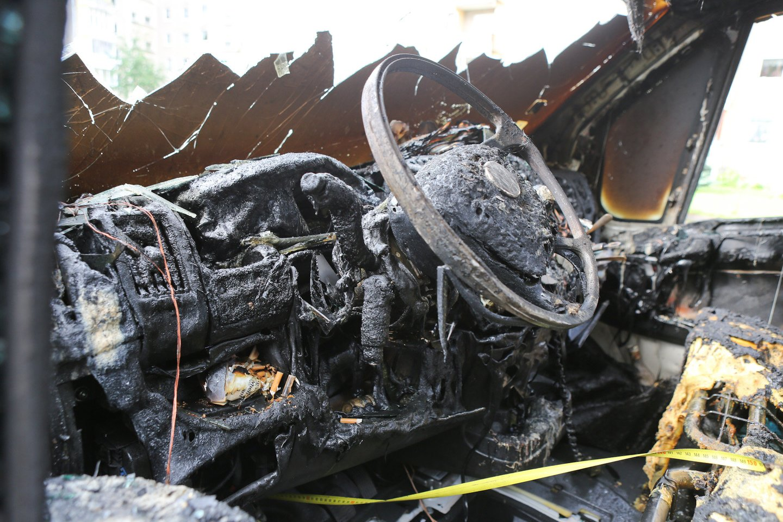 Po išgertuvių pamatęs stovintį BMW jaunas vyras jį nusprendė tiesiog sudeginti.<br>G.Bitvinsko asociatyvi nuotr.
