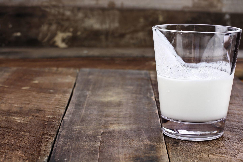 Raugintuose pieno produktuose yra daugybė organizmui naudingų medžiagų.<br>123rf nuotr.