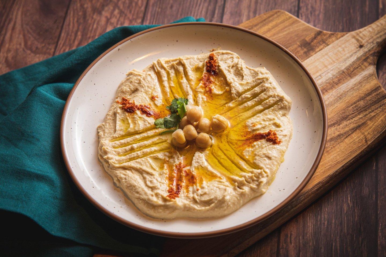 Avinžirnių humusas.