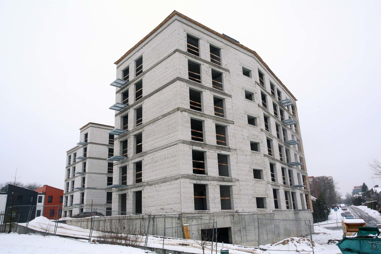 Praėjusių metų žvaigžde senos statybos rinkoje būtų galima įvardyti Vilniaus nuosavų namų ir kotedžų segmentą, kuris sėkmingai atlaikė abu karantinus, sąstingį būsto rinkoje ir metus užbaigė su 11 proc. sandorių augimu.<br>M.Patašiaus nuotr.