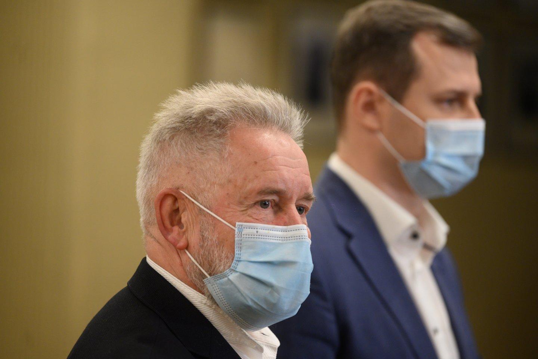 Seimo socialdemokratų frakcijos seniūnas Algirdas Sysasteigė partnerystės įstatymą neabejotinai palaikysiantis.<br>V.Skaraičio nuotr.