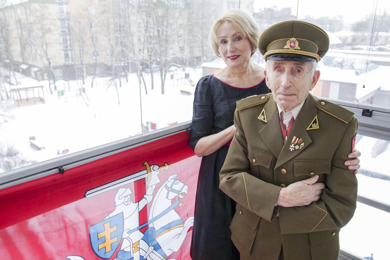 Šiuo metu J.Jakavonis-Tigras gyvena pas dukrą Angelę Vilniuje.<br>V.Ščiavinsko nuotr.