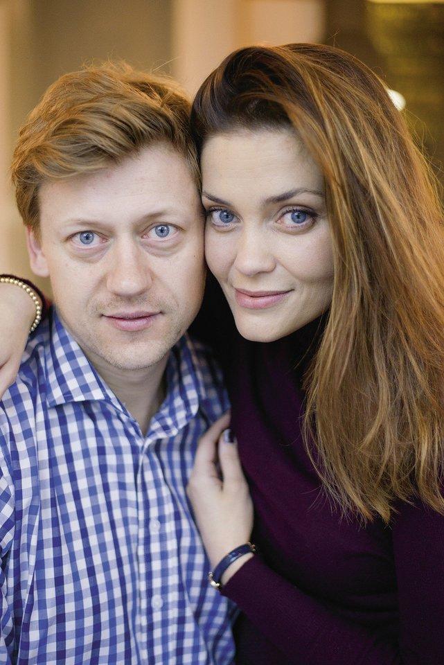 Eglė Skrolytė ir jos sutuoktinis Jonas Elvikis.<br>LR archyvo nuotr.