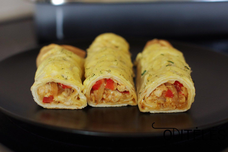"""Orkaitėje apkeptos tortilijos su vištiena ir sūriu.<br>""""Oditėlės blogas"""" nuotr."""