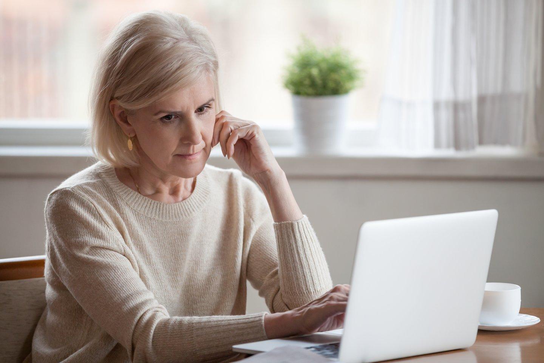 Moteris apgailestauja, kad visuomenėje 60-mečiai yra pernelyg anksti nurašomi.<br>123rf.com asociatyvi nuotr.