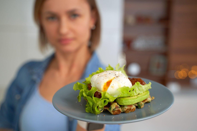 Baltymai padidina sotumo jausmą ir sumažina alkį, tad jų turėtų būti pusryčių patiekale.<br>123rf nuotr.