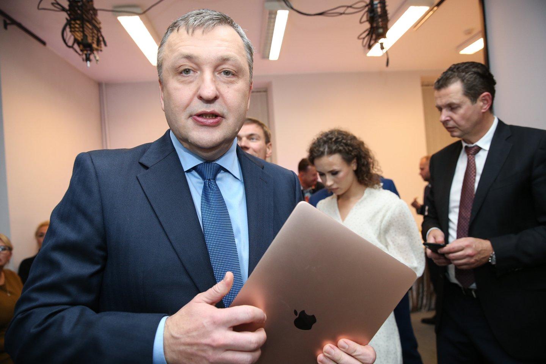 Antanas Guoga Darbo partijos štabe Seimo rinkimų naktį.<br>R.Danisevičiaus nuotr.