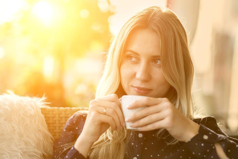 Mokslininkai mano atsakę į klausimą, ar kavą kenkia miego kokybei?<br>123rf nuotr.