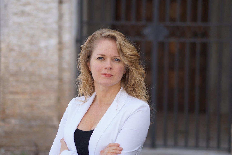 N.D.Beniušytė – profesionali klavesinininkė, meno vadovė, jaunųjų talentų konkurso ir tarptautinio festivalio organizatorė.<br>Nuotr. iš asmeninio albumo