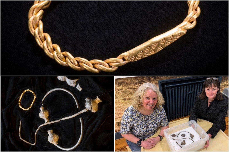 """Meno saloje (angl. Isle of Man) metalo detektoriaus savininkė atrado """"stulbinantį"""" 1000 metų senumo auksinių ir sidabrinių vikingų juvelyrinių papuošalų rinkinį.<br>Mankso Nacionalinio paveldo nuotr."""