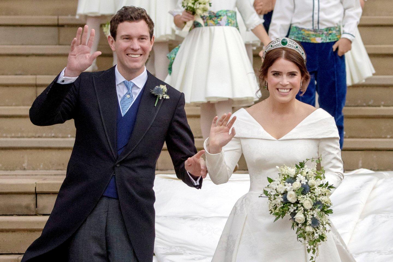 Didelis džiaugsmas britų karališkuosiuose rūmuose – karalienės Elizabeth II vaikaitė princesė Eugenie (30 m.) pagimdė sūnų.<br>Reuters/Scanpix nuotr.