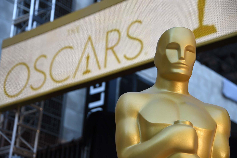 Amerikos kino meno ir mokslo akademijos apdovanojimų teikimo ceremonija šiais metais dėl koronaviruso pavojaus vyks keliose vietose.<br>AFP/Scanpix nuotr.