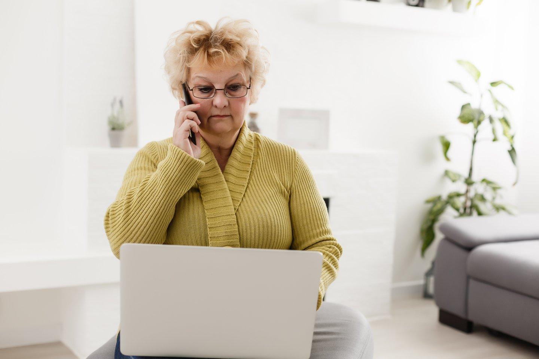 Pažinčių svetainėje užsiregistravusi moteris išsigando dėl savo duomenų saugumo.<br>123rf.com asociatyvioji nuotr.
