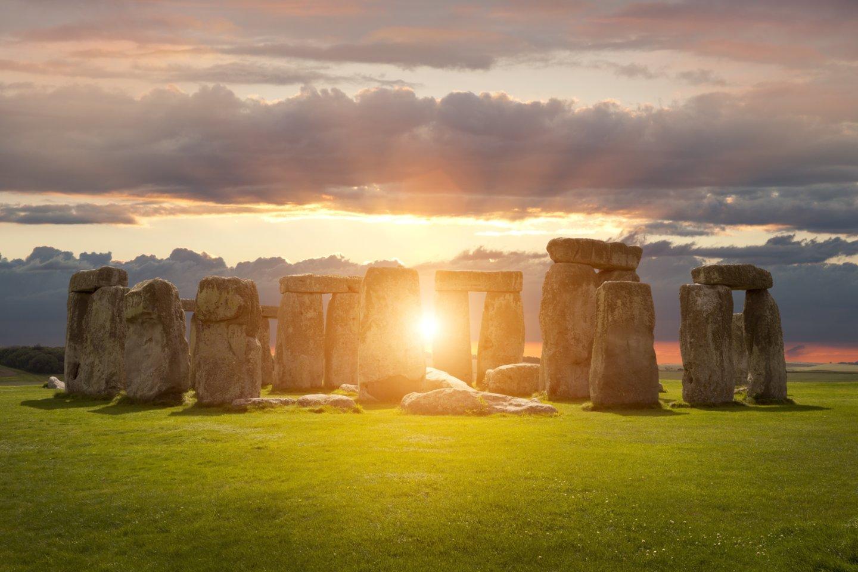 Pirmasis dabartinio Stounhendžo akmenų ratas iš tiesų pirmą kartą buvo pastatytas vakarų Velse, prieš 5000 metų – o vėliau jo akmenys buvo iškasti ir pertempti daugiau nei 225 kilometrus į dabartinę statinio vietą vakarų Anglijoje, rodo naujas tyrimas.<br>123rf nuotr.