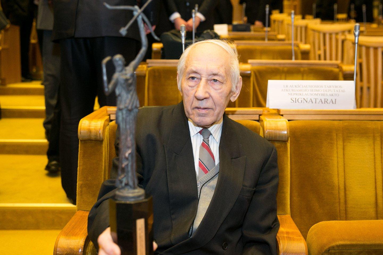 1926 m. gimė Lietuvos pasipriešinimo sovietiniam okupaciniam režimui veikėjas, Kovo 11-osios Akto signataras Balys Gajauskas. Mirė 2017 m.<br>T.Bauro nuotr.