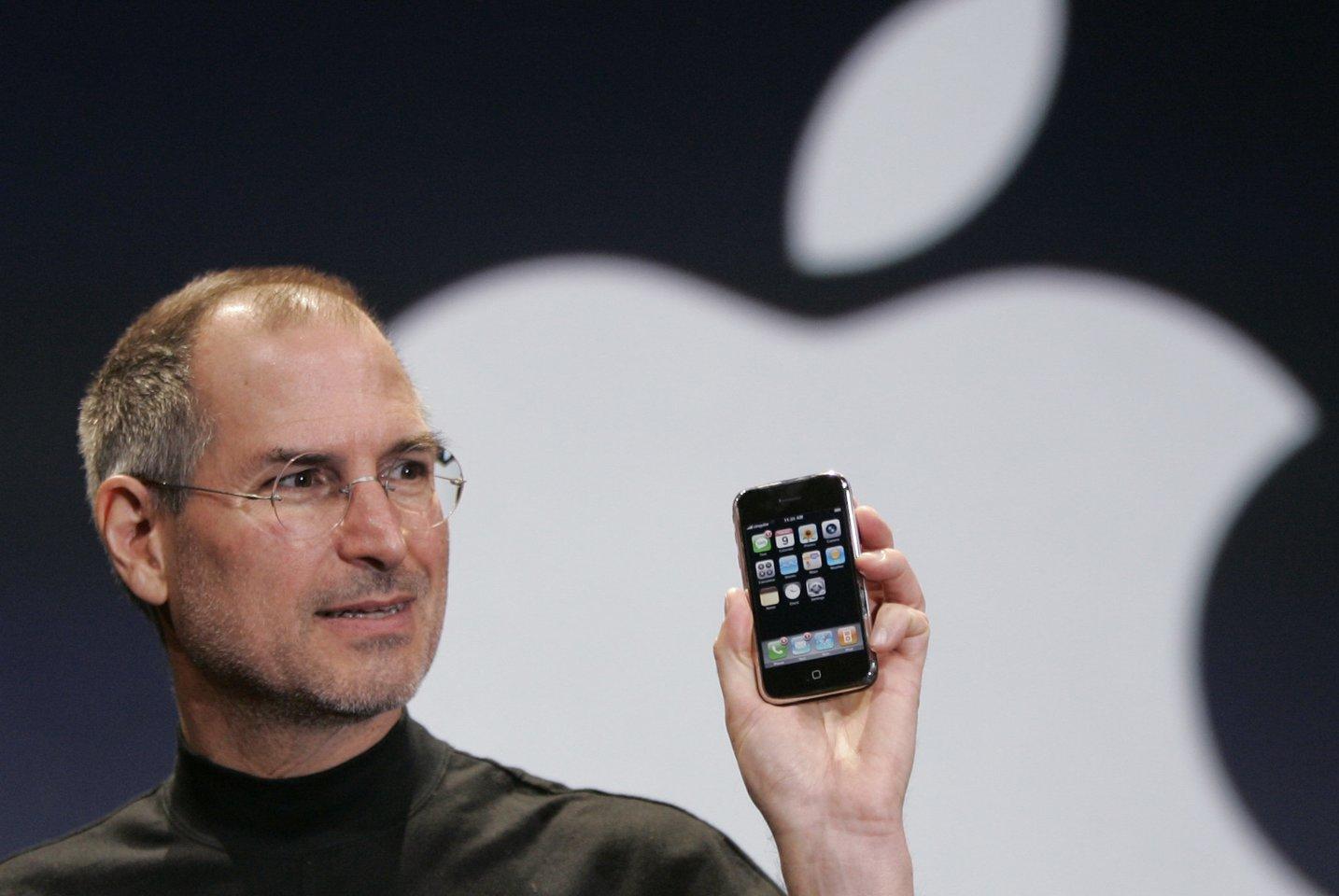 1955 m. gimė JAV verslininkas ir išradėjas Stevenas Paulas Jobsas. Mirė 2011 m.<br>AFP/Scanpix