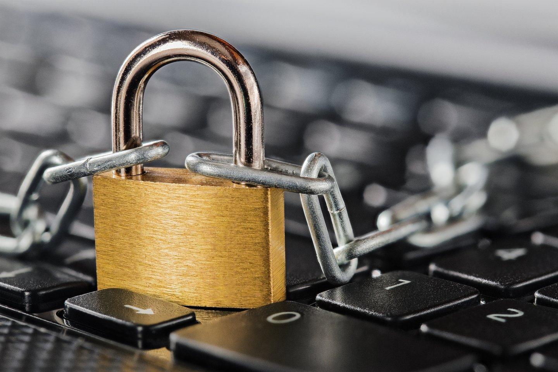 Duomenų apsaugos pažeidimų nebus išvengta net taikant griežčiausias kibernetinio saugumo priemones, sako Valstybinės duomenų apsaugos inspekcijos (VDAI) vadovas Raimondas Andrijauskas.<br>123rf nuotr.