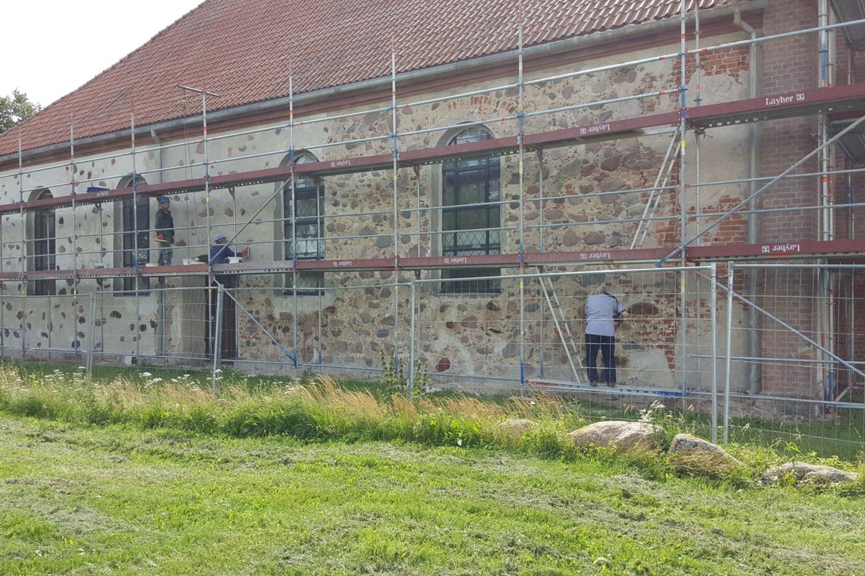 Restauruojama Kretingalės bažnyčia.<br>KPD Klaipėdos skyriaus nuotr.