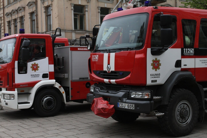 Kauno ugniagesys A.Černius išgirdo nuosprendį už sąvadavimą.<br>Kauno policijos nuotr.