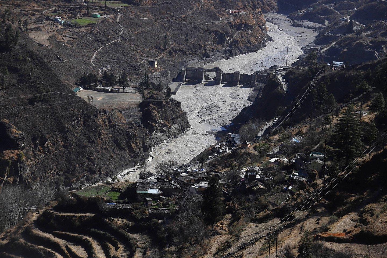 Vasario 9d. dėl Chamoli ledyno griūties kai kurias Indijos Himalajų kalnyno dalis užplūdo potvynis – kuris sunaikino ir Tapovano užtvanką ir nusinešė dešimčių žmonių gyvybes.<br>Imago / Scanpix nuotr.