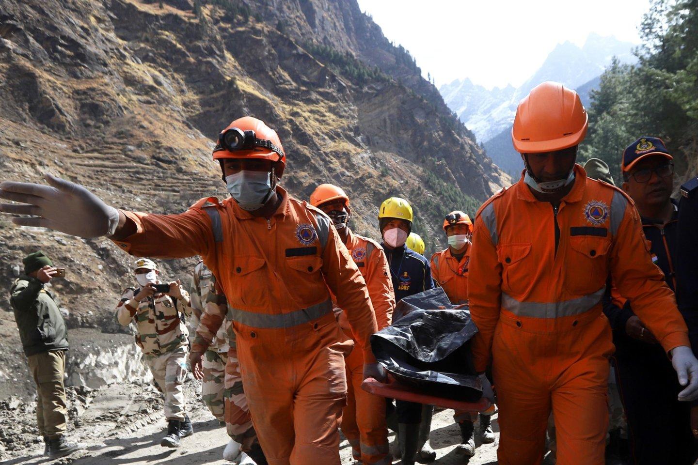 Vasario 9d. dėl Chamoli ledyno griūties kai kurias Indijos Himalajų kalnyno dalis užplūdo potvynis – kuris sunaikino ir Tapovano užtvanką ir nusinešė dešimčių žmonių gyvybes.<br>Sipapress / Scanpix nuotr.