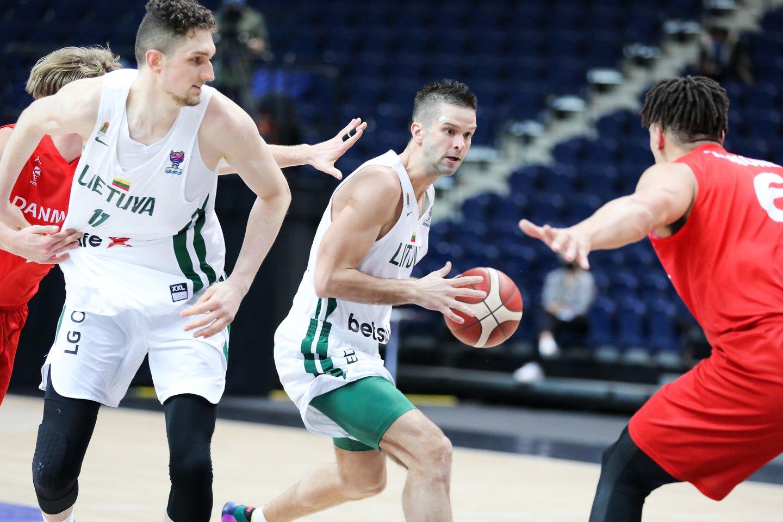 Lietuvos krepšinio rinktinė išnešė sveiką kailį ir pateko į 2022-ųjų Europos krepšinio čempionatą.<br>T.Bauro nuotr.