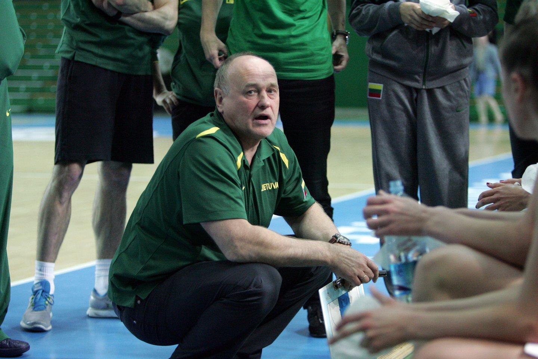 Buvęs Lietuvos moterų krepšinio rinktinės treneris Algirdas Paulauskas<br>P.Mantauto nuotr.