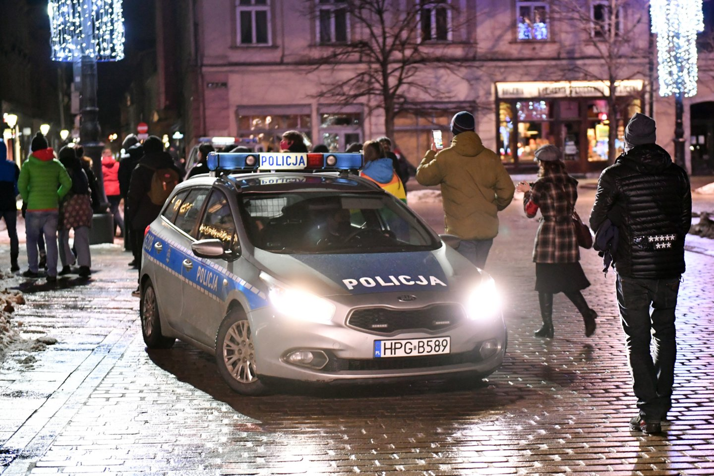 Lenkiją sukrėtė nežmoniškas, mirtį sukėlęs motinos elgesys su lovytę prišlapinusia trimete dukrele.<br>AFP/Scanpix nuotr.