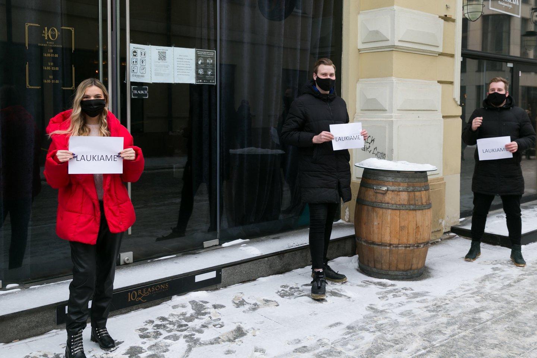 Jeigu artimiausiu metu nebus atlaisvinti restoranų ir barų veiklos suvaržymai, R. Prankos įsitikinimu, valdžia privalo jau dabar svarstyti trečiąjį paramos paketą.<br>T.Bauro nuotr.