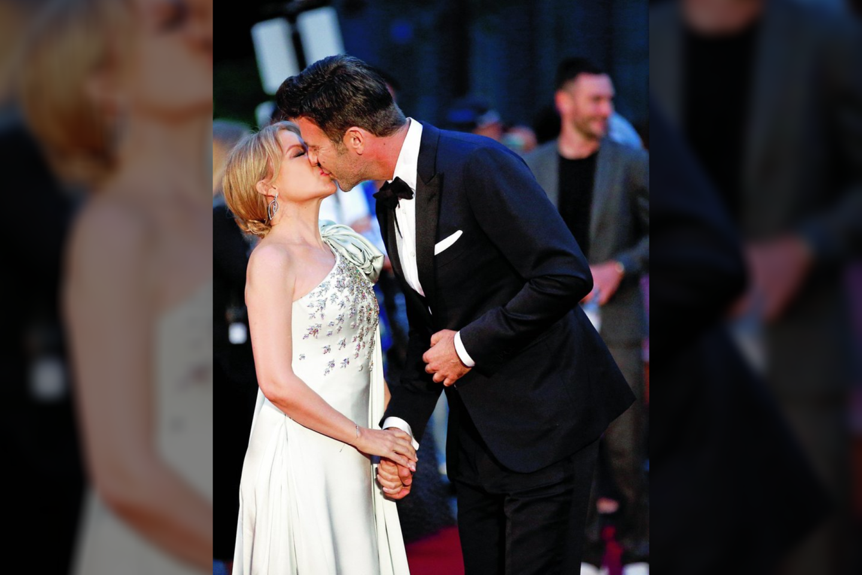 """Kylie Minogue ir Paulas Solomonsas susitikinėja nuo 2018-ųjų vasario.<br>""""Reuters""""/""""Scanpix"""" nuotr."""
