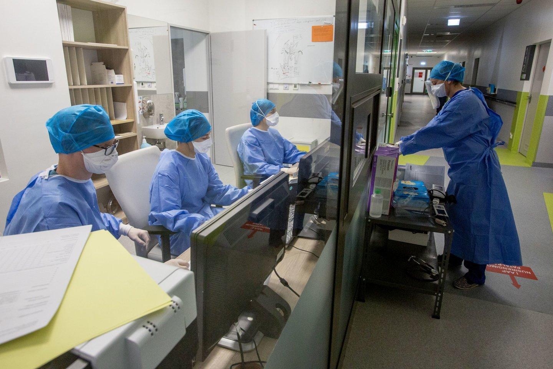 PSO: pasaulyje koronaviruso aukomis jau tapo daugiau kaip 2,5 mln. žmonių.<br>V.Balkūno nuotr.