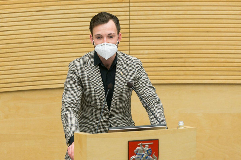 """Tarp pagrindinių naujų teisės aktų rengėjų – Seimo Žmogaus teisių komiteto pirmininkas, savo homoseksualumą atvirai deklaruojantis """"laisvietis"""" T.V.Raskevičius.<br>T.Bauro nuotr."""