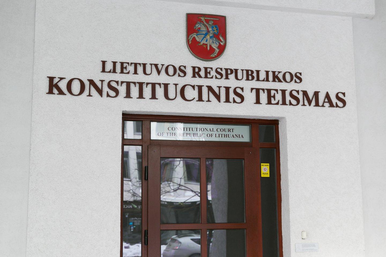 Dar negalutinai suformuotas Konstitucinis teismas pastaruoju metu vis atsiduria politikų ir visuomenės taikiklyje.<br>T.Bauro nuotr.