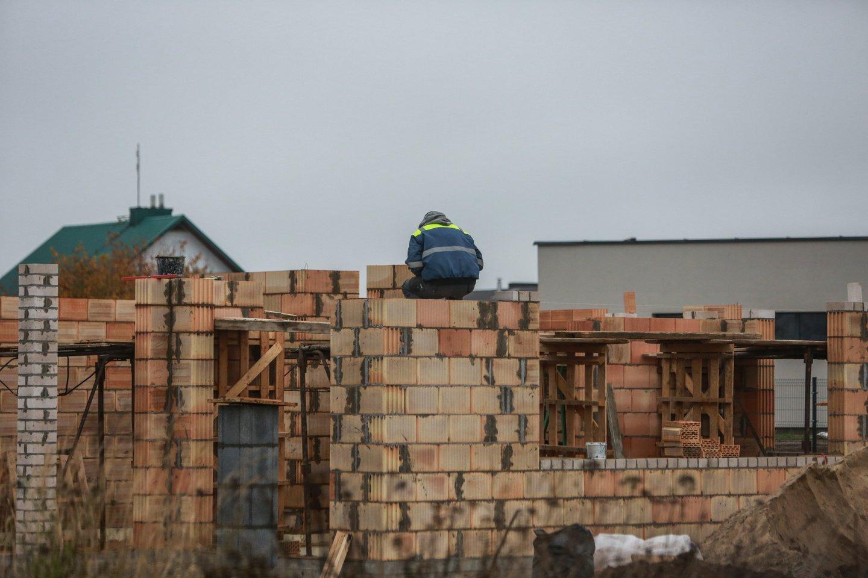 Vasaris – trumpiausias metų mėnuo, tačiau tai nesutrukdė nekilnojamojo turto (NT) vystytojams Vilniuje pasiekti naują rekordą – susitarta dėl 703 naujų butų pardavimo (723 nauji susitarimai, 20 anksčiau sudarytų susitarimų atšaukimų).<br>G.Bitvinsko nuotr.