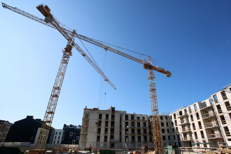 Vasaris – trumpiausias metų mėnuo, tačiau tai nesutrukdė nekilnojamojo turto (NT) vystytojams Vilniuje pasiekti naują rekordą – susitarta dėl 703 naujų butų pardavimo (723 nauji susitarimai, 20 anksčiau sudarytų susitarimų atšaukimų).<br>M.Patašiaus nuotr.
