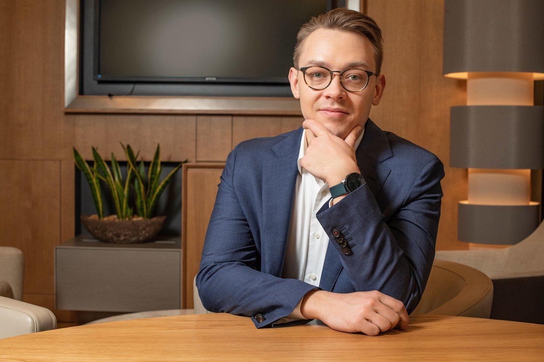 """""""Swedbank"""" vyresnysis ekonomistas Vytenis Šimkus.<br>""""Swedbank"""" nuotr."""