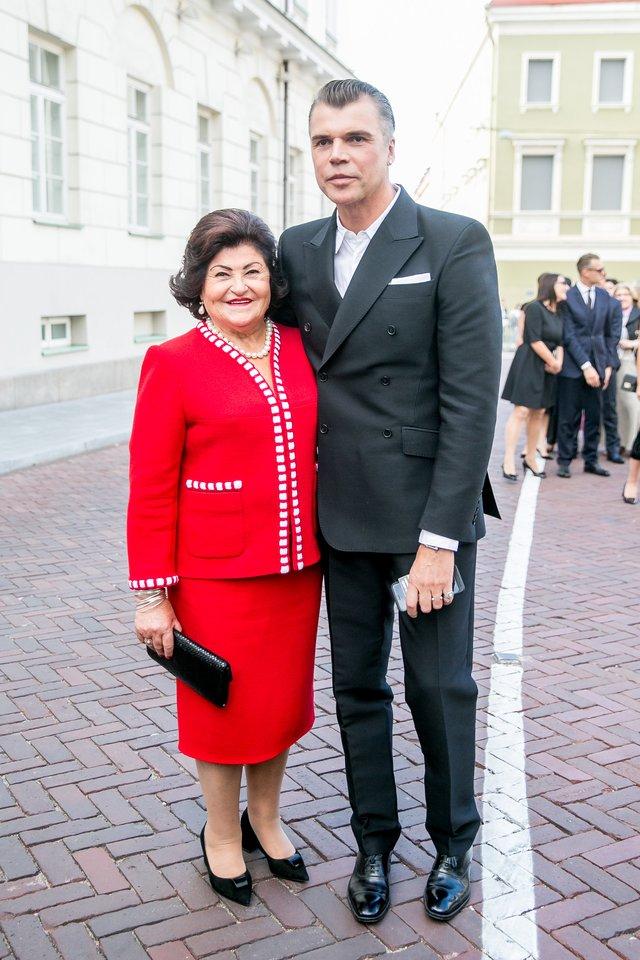 Juozas Statkevičius su mama Vanda.<br>T.Bauro nuotr.