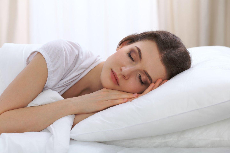 Kai mes užmiegame, smegenys patenka į tam tikrų skirtingų fazių seriją.<br>123rf nuotr.