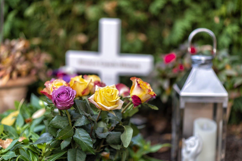 Sužinoję, kad bus atvykėlis iš užsienio, kai kurie giminės atsisakė eiti į laidotuves.<br>123rf.com asociatyvioji nuotr.