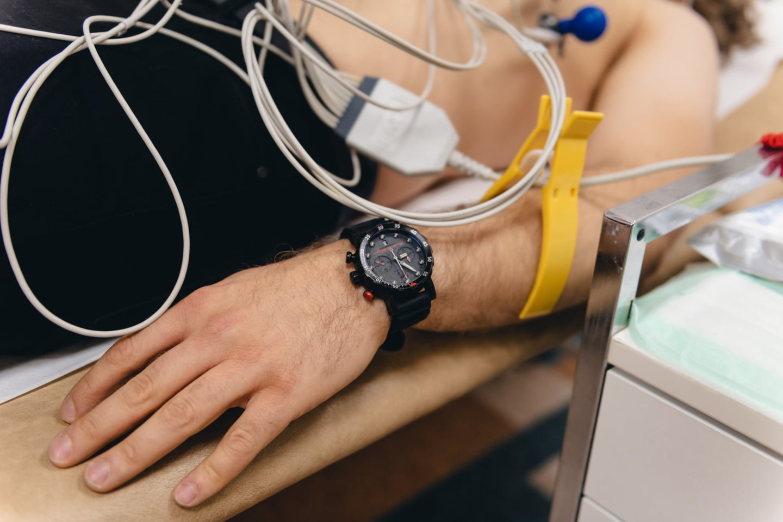 """Lenktynininkui Benediktui Vanagui trečiadienio rytas prasidėjo """"Northway"""" medicinos centre, nes turėjo problemų su riešais ir pečiu.<br>B. Vanago feisbuko nuotr."""