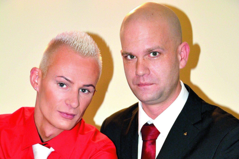 Po skyrybų su vyru Mindaugas Grudzinskas-Gocht gyvena vienas su dviem šeškais.<br> Asmeninio archyvo nuotr.