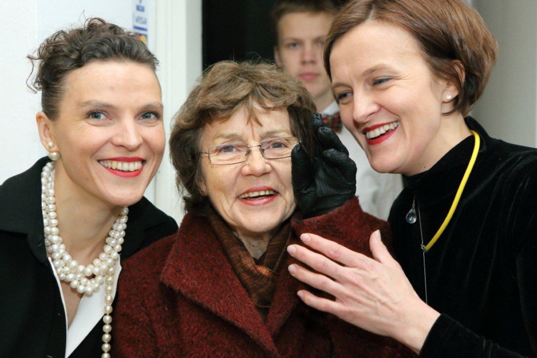 Su teta Liucija Girdžiūnaite ir seserim Agne Savarauskiene.<br>Asmeninio archyvo nuotr.