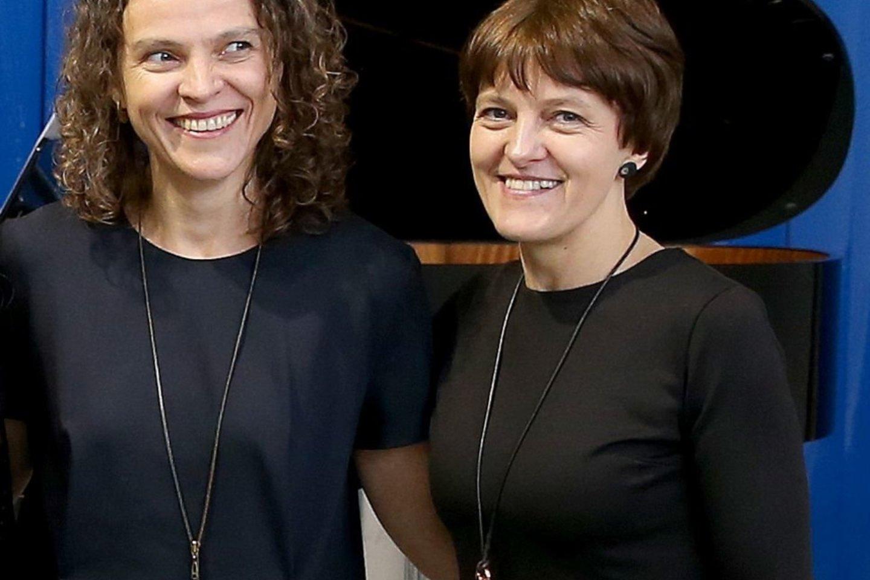 """Laura ir Agnė (dešinėje) """"Vartuose"""".<br>R.Danisevičiaus nuotr."""