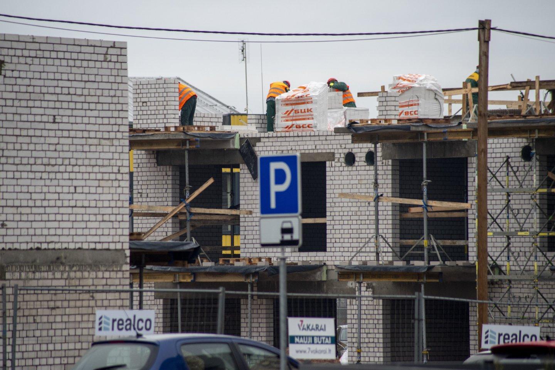 Gavę leidimą statyti namą, panašu, kad paklosite kelis tūkstančius eurų infrastruktūros mokesčio.<br>V.Ščiavinsko nuotr.