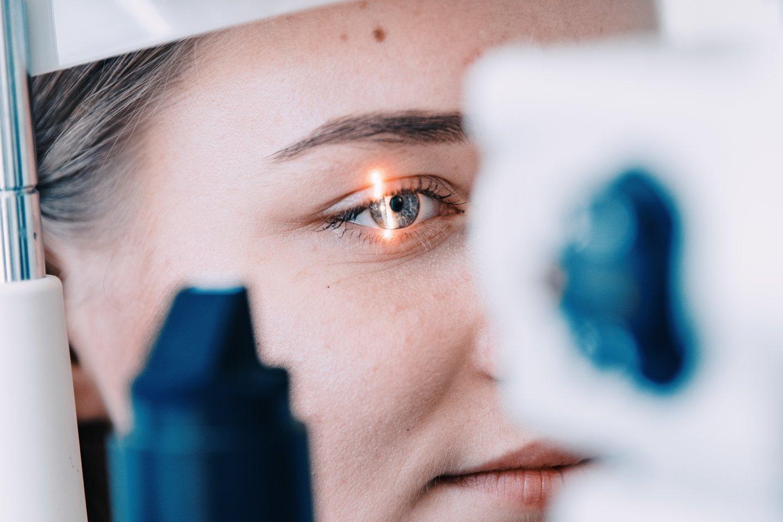 Katarakta laikoma viena dažniausių akių ligų. Tačiau medikai iki galo dar nesupranta ją sukeliančių procesų.<br>Kauno klinikų nuotr.
