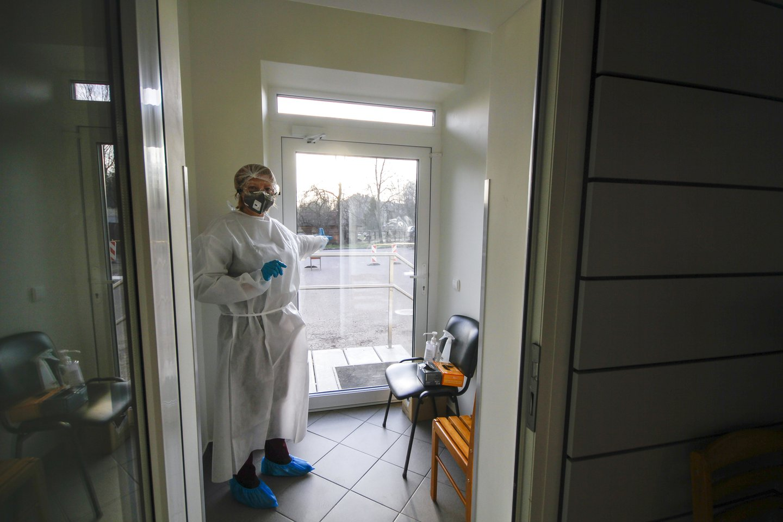 Nuo koronaviruso pandemijos pradžios Lietuvoje užfiksuoti200 884 COVID-10 atvejai.<br>V.Ščiavinsko nuotr.